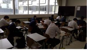 中学生 自習の様子2