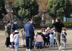 DSC01020 年少児と遊ぶ 高3