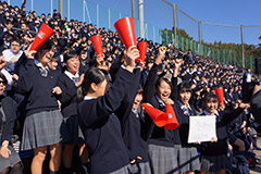 明星高等学校野球部が秋季東京都高等学校野球大会で11年ぶりベスト8に。