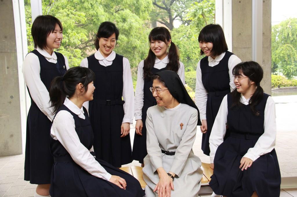 聖園女学院高等学校制服画像