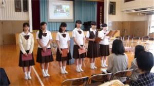 学校の様子の説明は生徒自身で行いました。