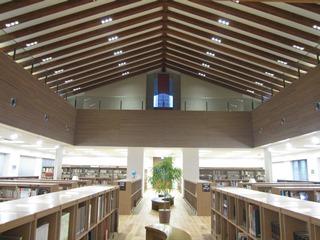 HPの「施設紹介」でアカデメイア図書館棟のパノラマ写真が見られます