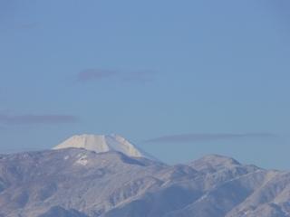 本校の屋上から見える富士山です!