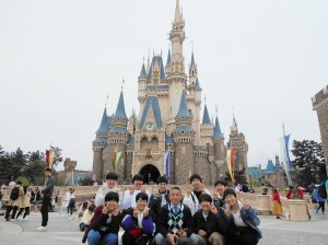 2年生 校外学習 (Tokyo Disneyland)