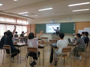 藤本先生によるICTのスキルセット(i-works)ワークショップの様子