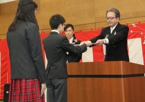新渡戸文化中学校 第72回 卒業証書授与式が行われました